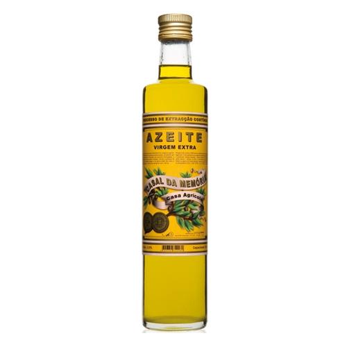 Feines Olivenöl in der Glasflasche